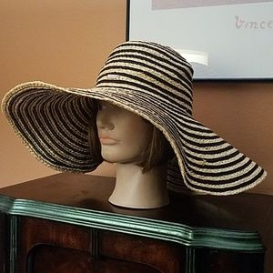 Calvin Klein Floppy Raffia Sun Hat!!